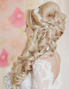 Liliya Fadeeva long curly wedding hairstyle