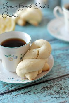 Sweet little cookies just in time for Easter! Rich, buttery Easter cookies with a hint of fresh lemon! These cookies are perfect for dunking into your coffee or tea! Greek Desserts, No Bake Desserts, Just Desserts, Dessert Recipes, Spring Desserts, Greek Sweets, Easter Desserts, Lemon Recipes, Greek Recipes