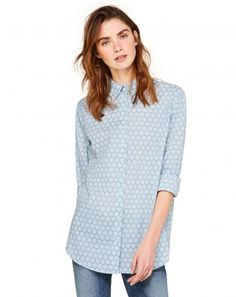 Check out the new Women's Apparel Spring Summer Benetton Collection. Colors Of Benetton, Printed Blouse, Casual Outfits, Casual Clothes, Spring Summer, Tunic Tops, Clothes For Women, Beautiful, Collection
