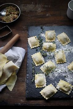 Food Rings Ideas & Inspirations 2017 - DISCOVER Homemade ravioli Discovred by : Fraise & Basilic Homemade Ravioli, Ravioli Recipe, Yummy Food, Tasty, Antipasto, Food Styling, Food Inspiration, Italian Recipes, Love Food