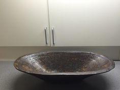 Stort fad lavet i keramik - ej til salg! Www.anne-mette.com  #ejtilsalg #fad #ceramic #ceramics #keramik #bigjar #outdoordecoration #kunst #frugtfad #decoration #brun #kunstner #ler #brown #sortler #cphartist #kunst@anne-mette.com