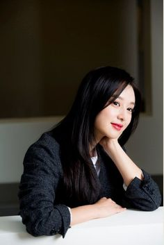 Kim Ji Won HQ (@jiwon_hq) | تويتر Korean Actresses, Korean Actors, Actors & Actresses, Fight My Way Kdrama, Simply Beautiful, Beautiful Women, Kim Ji Won, Korean Celebrities, King Kong