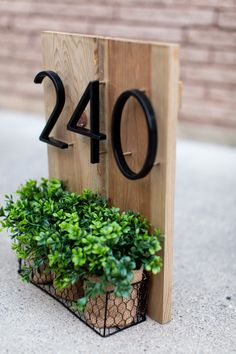 Diy Casa, House Front, Porch Decorating, Home Projects, Diy Home Decor, Sweet Home, Home And Garden, House Design, Diy House Numbers