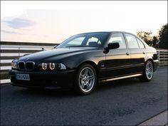 Black BMW E39