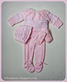 Conjunto rosa de punto para bebé
