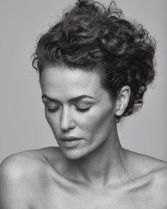 Melika Foroutan Star Wars, Portrait Art, Vintage Photographs, Black And White, Film, Celebrities, People, German, Hair Updo