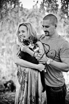 Montreal Canadiens: Tomáš Plekanec, his wife, Lucie Vondráčková, and their cat, Bartem Montreal Canadiens, Hockey Players, Great Pictures, Famous People, Pets, Couple Photos, Animals, Couple Shots, Animales