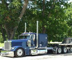 Jucz Show Trucks, Big Rig Trucks, Vw Vintage, Vintage Trucks, Custom Big Rigs, Custom Trucks, Diesel Pickup Trucks, Big Ride, Truck Quotes