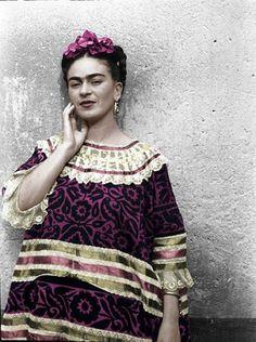 A Bologna in mostra i fotoritratti che raccontano Frida Kahlo e il suo Messico - Repubblica.it Mobile
