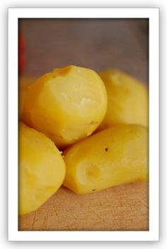 The Secrets to German Potato Salad (german garlic mushrooms) Austrian Potato Salad, Authentic German Potato Salad, Vegetable Dishes, Vegetable Recipes, Hot Potato Salads, Heritage Recipe, Mushroom Salad, Pasta Sides, How To Cook Potatoes