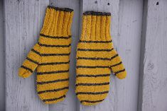 Light stripe and the fingering yarn are together lovely and peaceful combination.