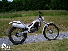 Trail Motorcycle, Cool Dirt Bikes, Trial Bike, Alps, Trials, Cars And Motorcycles, Motorbikes, Honda, Racing