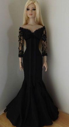 """Dress for 22"""" American Model Tonner doll"""