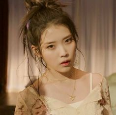 Iu Short Hair, Short Hair Styles, Kpop Aesthetic, Aesthetic Videos, Korean Beauty, Asian Beauty, Iu Twitter, Korean Drama Songs, Cute Korean Girl