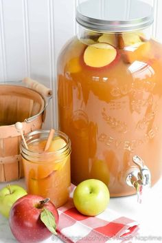 17 Thanksgiving Punch Recipes for a Crowd #thanksgivingpunch