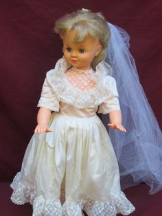 Boneca Estrela Antiga Noiva - R$ 240,00 no MercadoLivre