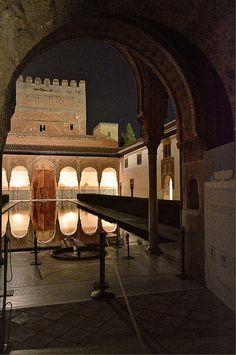 Patio de los Arrayanes - Alhambra de Granada.