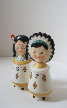 Vintage American Indian Salt and Pepper Shakers Vintage Dishes, Vintage Kitchen, Vintage Jars, Kitsch, Josie Loves, Salt And Pepper Set, Salt Pepper Shakers, American Indians