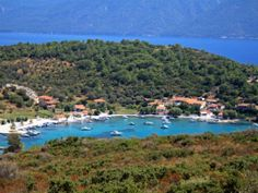 Samos is a beautiful Greek island in the Aegean Sea. With lots of beautiful places to see and things to do, Samos is like a fairy tale destination. Chios, Greek History, Greek Culture, Southern Europe, Holiday Destinations, Santorini, Beautiful Landscapes, Places To See, Westerns