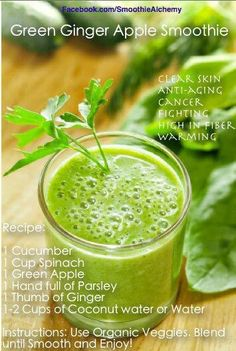 There is nothing like a simple smoothie to detoxify the body of all the unhealthy sugars. Celery and parsley in this sugar detox green smoothie are diuretics that help detoxify the body, while kale and mango are full of nutrients to support the cleanse. Smoothie Proteine, Protein Smoothies, Detox Smoothies, Ginger Smoothie, Detox Juices, Antioxidant Smoothie, Smoothie Cleanse, Detox Drinks, Cucumber Smoothie