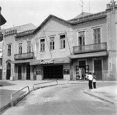 Cine Garrett, Povoa de Varzim, Portugal. Douro Portugal, Palaces, Popcorn, Villa, Movie, Mansions, House Styles, Cities, Nightgown
