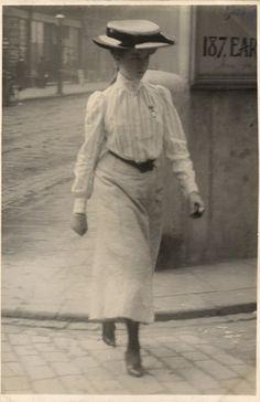 Edwardian Street Fashion Photography - London, Cromwell Road, 12th July 1905