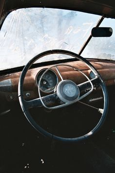 Old vintage car. LIKE!