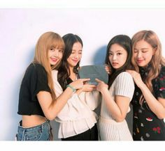 Check out Blackpink @ Iomoio