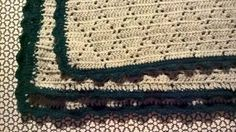 Hæklet DIY babytæppe i Diamantmønster. Jeg har hæklet dette fine babytæppe i et fint hulmønster i ruder. Jeg kalder det Diamantmønster. Babytæppet er nemt at hækle selv og lavet i babymerino uld. Jeg har også lagt opskriften på babytæppet her ud på bloggen så du selv kan lave dit diy babytæppe i dette fine diamantmønster.