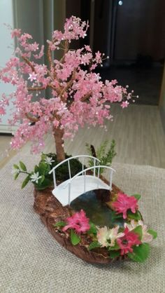 Цветущий абрикос – Keep up with the times. Paper Flowers Diy, Flower Crafts, Flower Art, Beaded Flowers Patterns, French Beaded Flowers, Wire Tree Sculpture, Beautiful Flowers Wallpapers, Popular Crafts, Wire Crafts