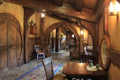 Pretty Hobbit House Interior Design You Will Not Believe It - My Dream House Fairytale Cottage, Storybook Cottage, Hobbit Hole, The Hobbit, Hobbit House Interior, Home Interior Design, Interior And Exterior, Cosy Decor, Earth Sheltered Homes