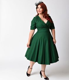 online shopping for Unique Vintage Plus Size Emerald Green Delores Swing Dress With Sleeves from top store. See new offer for Unique Vintage Plus Size Emerald Green Delores Swing Dress With Sleeves Plus Size Rockabilly, Rockabilly Mode, Rockabilly Fashion, 1950s Fashion, Vintage Fashion, Green Plus Size Dresses, Dress Plus Size, Plus Size Outfits, Plus Size Vintage Dresses