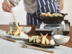 今日は「天ぷらの日」。そこで今回は、人気料理家・きじまりゅうたさんのお店みたいな「お座敷天ぷら」のレシピをご紹介します。お座敷天ぷらは、パパがヒーローになれるチャンス!今度の週末にご家族につくってみてはいかがでしょう?揚げたてに歓声があがりますよ。きじまりゅうたさん料理家一家の三...