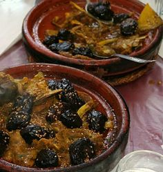 Moroccan Chicken Tagine with Prunes.In traditional Moroccan cooking, poultry and meats are often combined with dried fruit to yield elegant tagines well-suited for entertaining or special occasions. Moroccan Tagine Recipes, Moroccan Dishes, Tagine Cooking, Morrocan Food, Moroccan Chicken, Ras El Hanout, Cooking Recipes, Healthy Recipes, Healthy Food