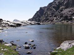 Asomando el Caballo desde la Laguna de Bolaños.