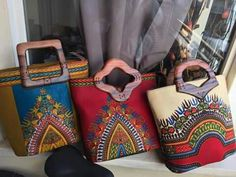 African purses African Accessories, Bag Accessories, Ankara Bags, Sacs Design, Clutch Bag, Tote Bag, Fabric Bags, Printed Bags, African Fabric