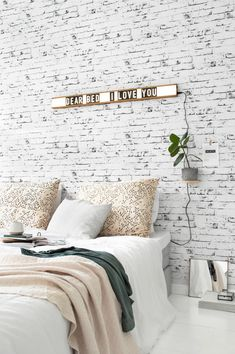 Brick wall lightbox - Tanja van Hoogdalem
