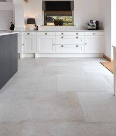 Tile flooring idea for master closet/master bath/ guest bathroom Living Room Flooring, Living Room Kitchen, Kitchen Flooring, Stone Kitchen Floor, Kitchen Interior, Kitchen Design, Large Floor Tiles, Grey Floor Tiles, Stone Tile Flooring