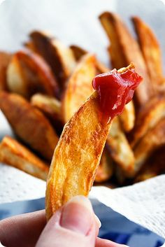 Crispy Oven Baked Fries | The Comfort of Cooking