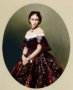 Princess Alice the Grand Duchess Ludwig of Hesse Queen Victoria Prince Albert, Victoria And Albert, Princess Victoria, Images Of Princess, German Royal Family, Queen Sophia, Alexandra Feodorovna, Herzog, Historical Clothing