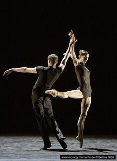 Polina Semionova and Dinu Tamazlacaru - Russian Ballet Shall We Dance, Lets Dance, Ballet Couple, Polina Semionova, Adult Ballet Class, Dance Photos, Dance Pictures, Russian Ballet, Jazz Dance