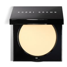 Bobbi's long-lasting, super-sheer powder sets and perfects color to create a smooth, flawless finish. This sheer powder is 100% oil-free and oil-absorbing, with Vitamin E for the most comfortable wear. In a sleek, square compact, Bobbi Brown Sheer Finish Pressed Powder is an elegant and easy way to carry with you throughout the day. Comes with a powder puff. Available in a range of 7 shades.Watch Bobbi's Secret to Perfect Skin Video. Qualifies for Free Shipping and Free Returns.