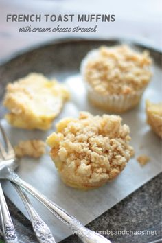 Easy french toast muffins topped with cream cheese streusel make a quick and delicious breakfast! Best Breakfast Recipes, Sweet Breakfast, Brunch Recipes, Breakfast Ideas, Breakfast Muffins, Brunch Ideas, Muffin Recipes, Whole Wheat Muffins, French Toast Muffins