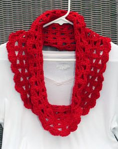 Free Crochet Pattern: Stella Cowl Scarf. ☀CQ #crochet #crafts #DIY. Thanks so much for sharing! ¯\_(ツ)_/¯