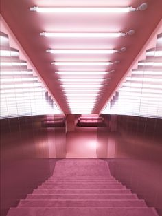 Rosa rum i Normann Copenhagen's nyrenoverade showroom Retail Architecture, Architecture Design, Pretty In Pink, Norman Copenhagen, Copenhagen Denmark, Copenhagen Design, Showroom, Interior Inspiration, Design Inspiration