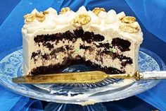 Tort cu blat de nuca si crema caramel Creme Caramel, Something Sweet, Tiramisu, Mousse, Good Food, Food And Drink, Ice Cream, Cooking Recipes, Sweets