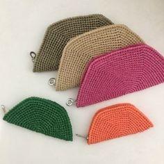 코바늘-허니콤 폴더 파우치 수업 : 네이버 블로그 Crochet Gifts, Knit Crochet, Diy Bags Purses, Macrame Bag, Crochet Purses, Crochet Accessories, Gift Bags, Crochet Projects, Crochet Bikini