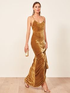 The perfect dress for a Fall or Winter wedding – and also just for holiday season – Rimini is a slim fitting, velvet slip dress with a v nec. Gold Wedding Gowns, Fall Wedding Dresses, Holiday Dresses, Fall Dresses, Slip Dresses, Fall Party Dress, Party Dresses, Winter Wedding Outfits, Gold Weddings