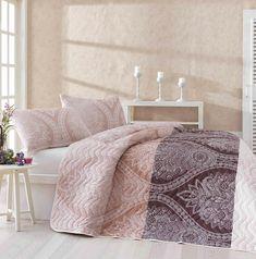 Visszafogott Elegancia kétszemélyes steppelt ágytakaró szett LILY HOME adee8459c5