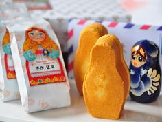Best Chinese New Year ceremo- Russian dolls pineapple cake